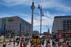 P1037138b-demo-am-alexanderplatz-berlin.jpg