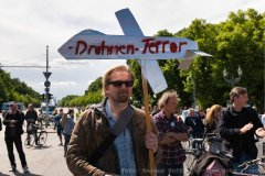 Drohnen Terror, Demo