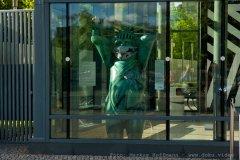 US-Botschaft, Berlin, Bär